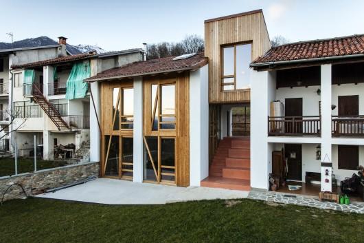 alpine foothills house