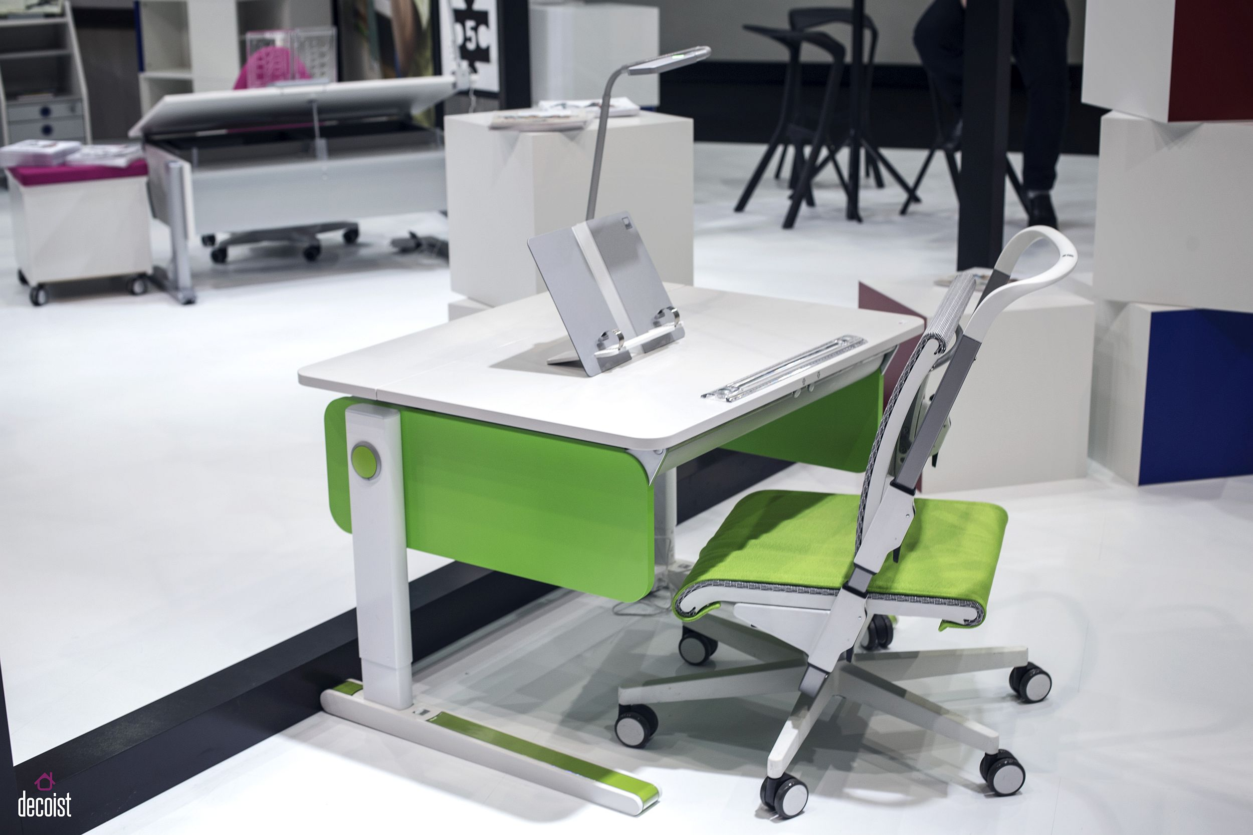 Bring-colorful-pep-to-the-kids-workstation-with-decor-from-Moll