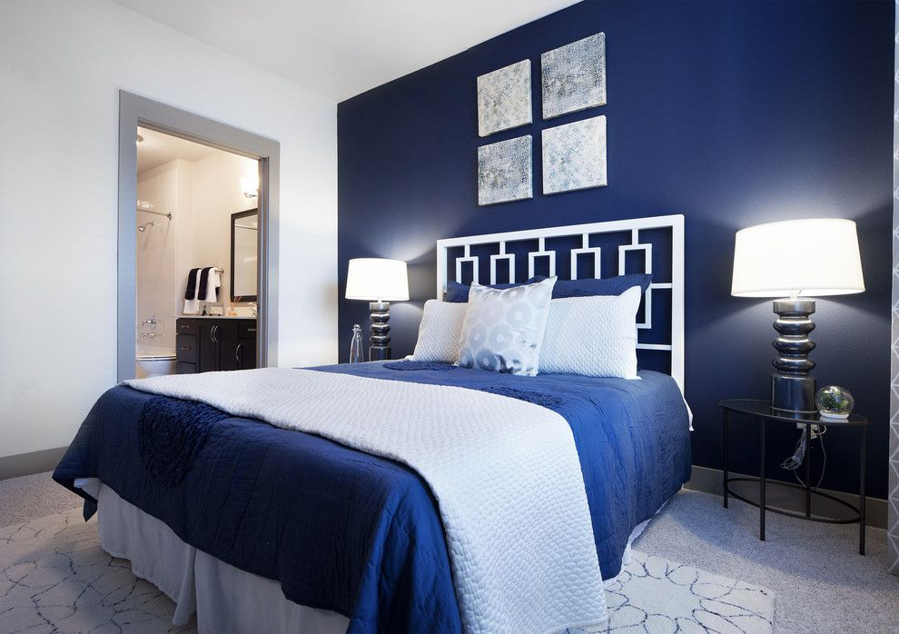 Blue-bedroom-with-a-cold-and-complex-ambiance-1-1