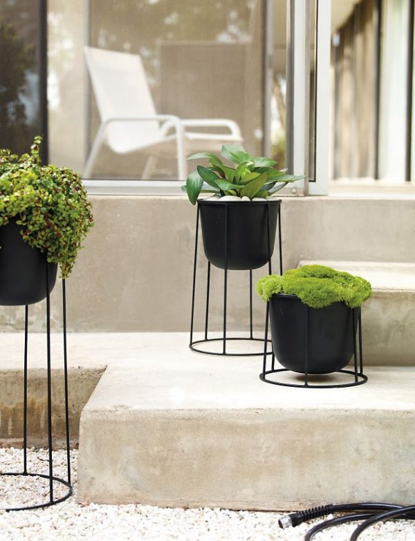 black-cast-iron-plant-stand-600x783