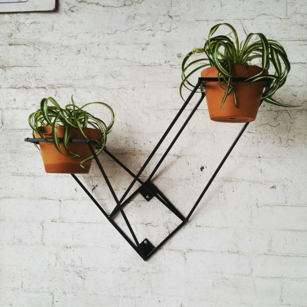 geometric-cast-iron-plant-stand-600x600