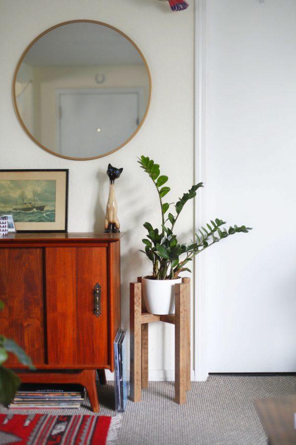 scandinavian-look-pot-stands-for-plants-600x900