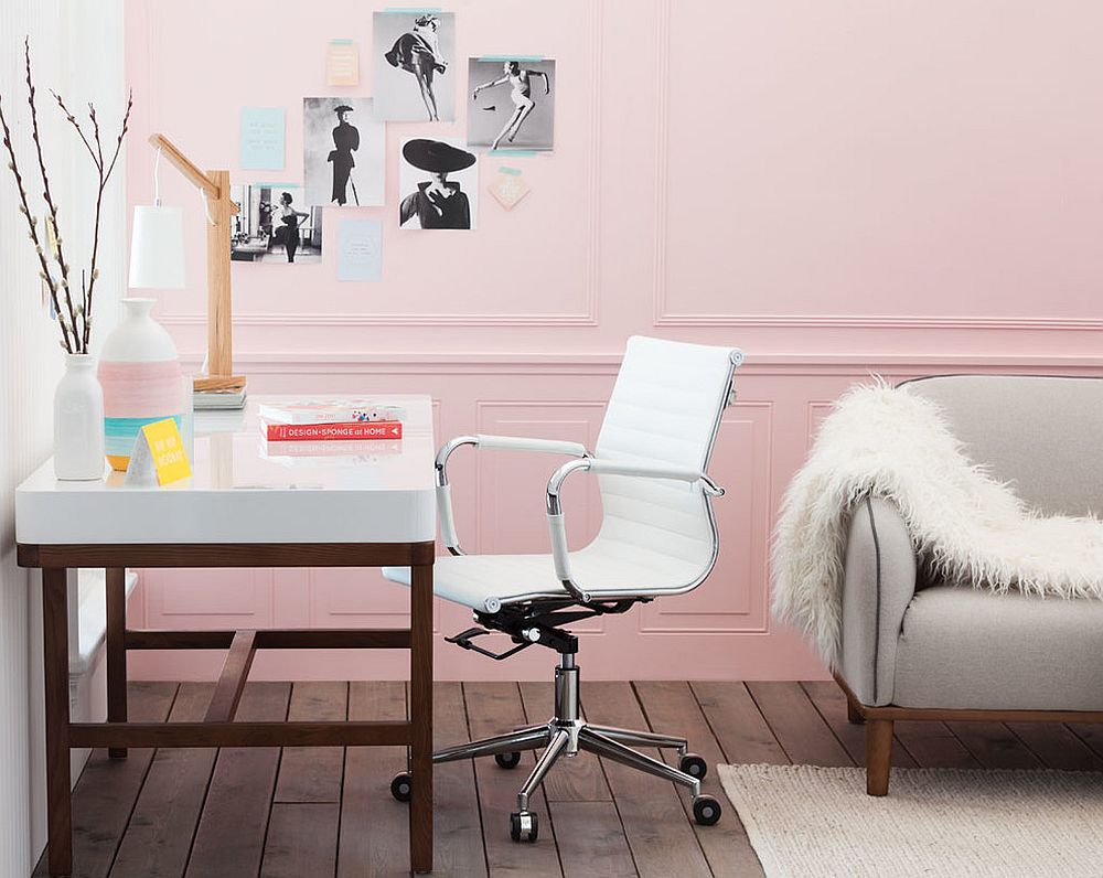 Exquisite-Scandinavian-hone-office-in-pastel-pink