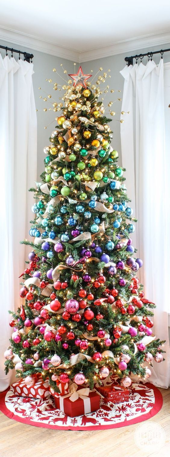 03-rainbow-ombre-is-a-stylish-idea-for-a-colorful-Christmas-tree