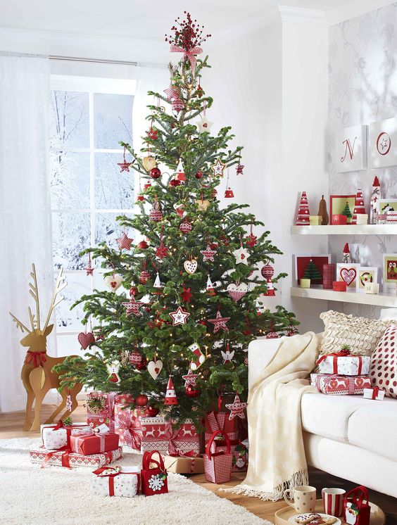 15-red-and-white-are-traditional-Christmas-colors-to-rock-add-a-Scandi-flavor-to-them