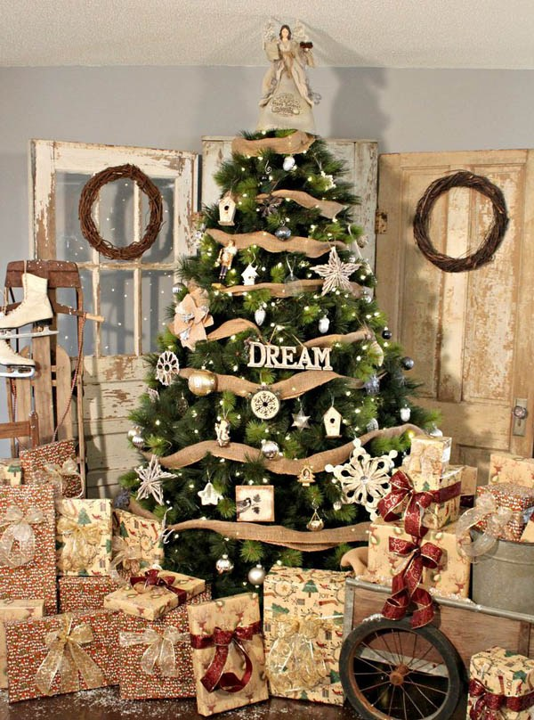 19-rustic-tree-decor-with-burlap-and-metallic-and-white-ornaments